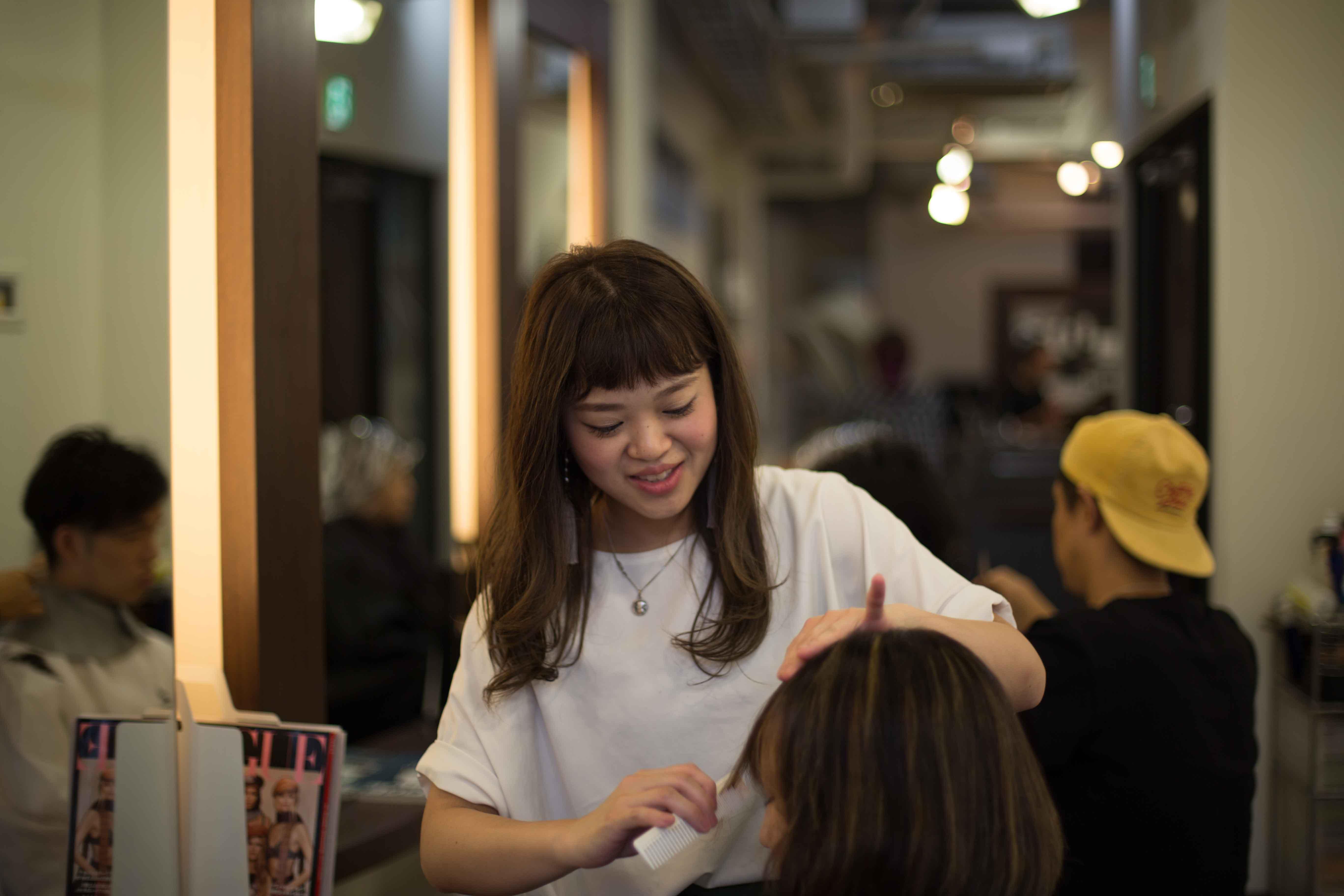 女性美容師 ママ美容師 出産 育児 表参道 美容室 スタイリスト募集 中途 新卒 アシスタント募集 外国人の多い美容室
