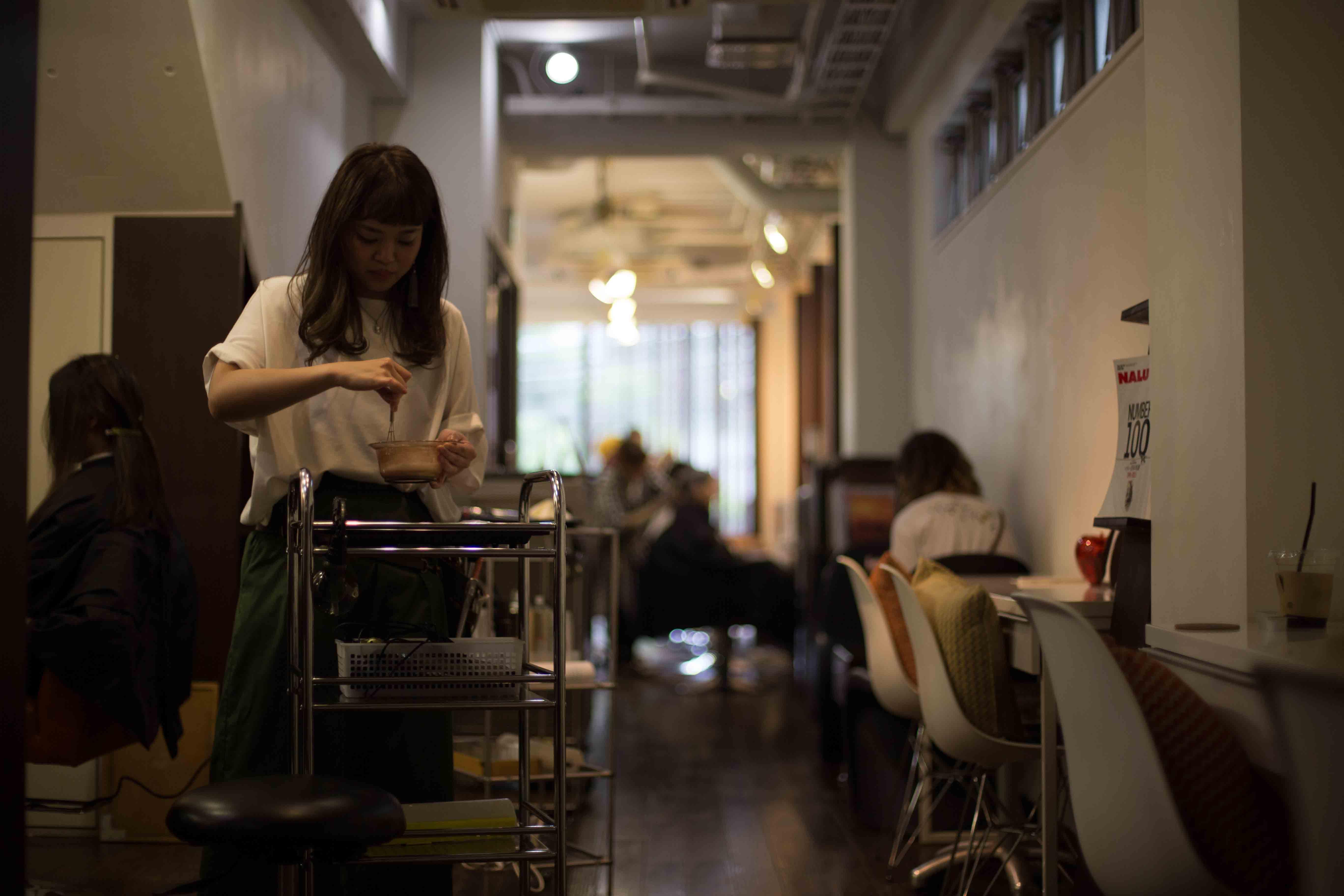 外国人の多い美容室 女性美容師 ママ美容師 出産 育児 表参道 美容室 スタイリスト募集 中途 新卒 アシスタント募集